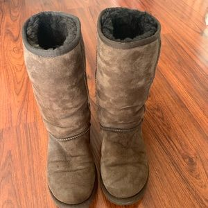 Uggs classic tall 5815 brown women's 6